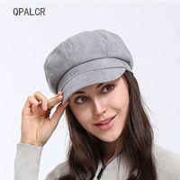 ingrosso berretti-QPALCR New Fashion Winter Berets Solido cappello in pelle scamosciata per le donne Cappelli ottagonale Classic Newsboy Cap all'aperto cappello nero all'ingrosso