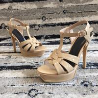 sandales noires élégantes achat en gros de-Cuir verni Rivets Pompes Marque Designer Pompes Femmes Sandales Talons Dames Rivets Chaussures 13.5cm Élégante chaussure de banquet noir 15 couleur