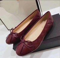 ingrosso bowtie piatto-Estate nuova stazione europea in rilievo in pelle piatta bowtie slip-on eleganti scarpe romane moda punta rotonda scarpe singole