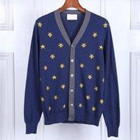 v erkek için boyun hırka kazak toptan satış-Yeni Adam Lüks Kış Kazak Moda Işlemeli Arılar Yıldız Kazak Rahat Hırka V Yaka Genç kazak tops
