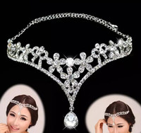 accesorios de joyería para la cabeza al por mayor-Tiara nupcial encantadora Diadema de diamantes de imitación Accesorios para la cabeza nupcial Joyas de boda Evento formal Ropa para el cabello Diamantes de imitación Nueva moda