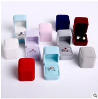 joyeros rosa morado al por mayor-Terciopelo anillo espárragos cajas de joyas de buena calidad nueva joyería embalaje cajas de regalos azul rosa beige beige caja tamaño 5x5x6cm 450