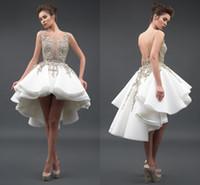 mini vestidos de cocktail para casamentos venda por atacado-Little White Cocktail Dresses Sexy Sheer Pescoço 3D Rendas Apliques de Tule Sem Mangas Backless Alta Baixa A Linha de Vestidos de Baile Vestidos de Festa