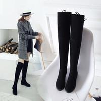 düz diz önyükleme siyahı toptan satış-Uyluk Yüksek Çizmeler Kadın Kış Çizmeler Kadın Diz Üzerinde Çizmeler Düz Streç Seksi Moda Ayakkabı 2018 Siyah Gri yeni sürme