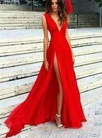 vestidos de fiesta cortos de longitud media al por mayor-Largos vestidos de fiesta divididos en rojo Vestido de noche formal con cuello en V sexy Largos vestidos de fiesta de tul plisados