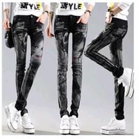 heiße schwarze mädchen jeans großhandel-Schwarze lange Jeansfrau beiläufige Bleistifthosen Mädchen gewaschene Rhinestones Heißes bohrendes Drucken dünne lange Frauen Jeans Capris-Frau