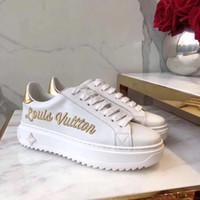 Scarpe di design di lusso ricamato tigre bianca ape pesce scarpe in vera  pelle designer sneaker uomo donna scarpe casual il desiderio tacco 5 cm di  altezza d13602667b8