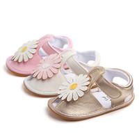 sevimli sandaletler çiçekler toptan satış-Sevimli Bebek Kız Sandalet Deri Sneakers Çiçek Sevimli Beşik Ayakkabı kaymaz Ayçiçeği Yeni Sandalet Ayakkabı