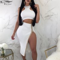 ingrosso le ginocchia sono in cima alle donne-Bonnie Forest 2018 Summer White Due pezzi Sets Donna O neck Senza maniche Crop Top Side Split Skirt Sexy Party Knee Length Sets