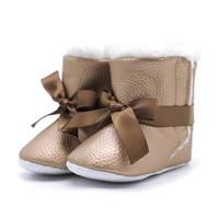 f8aa4e96887 Barato Venda Quente Do Bebê Da Menina Macio Bowknot Botas de Neve Botas de  Algodão de Lã Sapatos de Inverno para o Bebê Da Criança Aquece Berib .