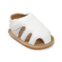 weiße kleinkindmädchen sandalen großhandel-Romirus breathable geprägte Sommer Kleinkind Mädchen Sandalen weichen Baby Mädchen Schuhe geschlossen Zehe Marke Sandalen flach Sandalet weiß TX007