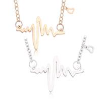 4940bbcaaae4 Moda ECG Corazón Collares Colgantes Simple Oro Plata Estetoscopio Collar de  Cadena de Clavícula Latido Del Corazón Para Enfermera Doctor Regalos