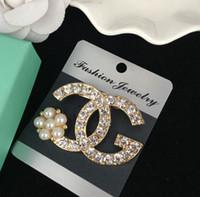 korece klip broşları toptan satış-Çocuk elmas broş lady stil İnci mektubu prenses firkete çocuklar elmas broş klipler kore tarzı kızlar elmas aksesuarları A01325