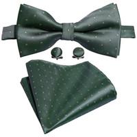 laço de borboleta verde dos homens venda por atacado-Mens bow tie set gravata verde escuro com ponto amarelo wavelet moda com lenço abotoaduras de casamento de luxo festa de negócios LH-823
