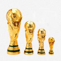 сувениры для фанатов оптовых-Бесплатная доставка 2018 футбольный кубок трофей фанаты сувениры смола ремесло подарок чемпион творческий кубок мира трофей