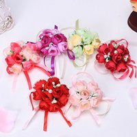 corsage armbänder großhandel-Handgelenk Blume Rose Seidenband Braut Corsage Hand dekorative Armband Armband Brautjungfer Vorhang Band Clip Bouquet