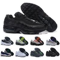 release date e17f5 347a0 Nike Air Max 95 Airmax Mens Athletic MAXs 95 Essentiel du 20e Anniversaire  de l Exécution des Baskets de la Marque de Sport Noire Run Chaussures de  40-45 ...