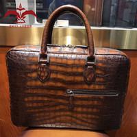 homens bolsas borgonha venda por atacado-Luxury Your Style Bag! 1 PC Couro Crocodilo Marrom / Azul / Verde / Cinza / Borgonha Pasta Dos Homens Cor, Bolsa de Design Personalizado