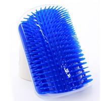 ingrosso angoli di plastica-Peli di plastica per cani Spazzola per animali domestici Grooming Tool Angolo Puppy Cat Self Massage Brush Blu 10dg C R