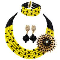 ingrosso biancheria da letto di colore giallo-Fashion Black Opaque Yellow Costume Collana Statement African Wedding Beads Nigerian Jewelry Beds Set 5L-ZJ024