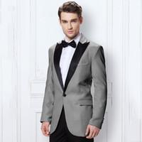 beyaz fildişi damat smokinleri toptan satış-Gri Erkekler Düğün Damat Suits Doruğa Yaka Fildişi / Beyaz Groomsmen Smokin Takım Elbise Custom Made En İyi Adam Blazers 2 Parça Kırmızı Ceket Pantolon