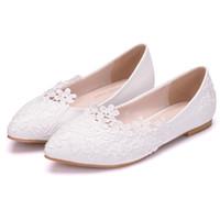zapatos de boda princesa blanca al por mayor-Ballet Flats Zapatos de boda de encaje blanco Zapatos planos de tacón plano Mujeres de punta estrecha Wedding Princess Flats Plus