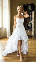 ingrosso applique in rilievo del taffettà del vestito da cerimonia nuziale-2019 eleganti economici abiti da sposa low low per le donne sexy in rilievo applique avorio taffettà stile country corsetto abiti da sposa plus size