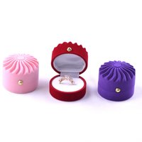 Wholesale x gifts online - Top Grade Packing Box Flannelette Jewelry Necklace Ring Ear Studs Case Popular Wedding Accessories Gifts Storage Boxes ms X