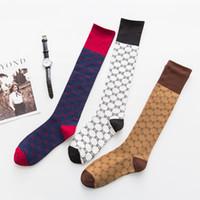 moda çorap çorap toptan satış-Tam G Alfabe Çorap Moda Haftası Sonbahar Ve Kış Yeni Ürünler Destek Çorap Pamuk Yüksek Tüp Çorap Toptan