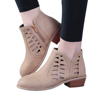 kadınlar için düşük çizme kamaları toptan satış-Kadınlar Vintage Tıknaz Düşük Topuklu Kalın Topuk Kısa Çizme Kadın Takozlar Ayak Bileği Patik Hollow Ayakkabı Takozlar