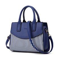 kızlar el çantaları yeni stil toptan satış-Yeni stil moda kadın çantası tek omuz çanta atmosferik şerit büyüleri renk kadın çantası kız lady el çantası gibi