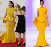 ingrosso nuovi tappi gialli sexy-2019 New Gorgeous Paillettes Perline di raso giallo senape abiti da ballo formale Abiti da celebrità con maniche a cappuccio Peplo Sirena abiti da sera