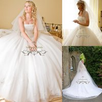 online shopping Ball Gowns - 2018 new designer Beautiful Dreams wedding gown absolutely stunning heavy ball bridal gowns fairytale bride party wear