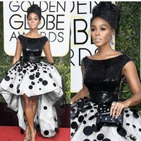 siyah cüppe beyaz çiçekler toptan satış-Sexy Janelle Monae Celebrity Party Dresses Ball Gown Black and White Sequins Handmade Flowers Tulle 2018 New Golden Globe Prom Evening Gowns