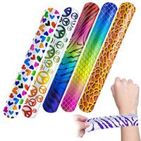 ingrosso ventilatore a mano in seta gialla-Slap Bracelet Party Gifts Animal Design Patterns Hearts Printed Party Wrist Strap Slap Bands Favors 100 pezzi / lotto