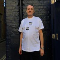 división t shirts al por mayor-18FW Split FashionTee Desmonte Costura de manga corta para hombres y mujeres de alta calidad en blanco y negro camiseta HFBYTX212