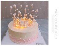 halloween tischeinstellungen großhandel-Auf lager Schöne Mädchen Handgemachte Perle Krone Party Thema Kuchen Dressing Zubehör 2019 Neueste Krone Kuchen Dekoration