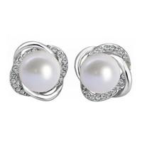 kızlar için gümüş inciler toptan satış-Kadın Damızlık Küpe Beyaz Inci Altın Gümüş Alaşım Kız Lady Basit Asil Parlak Eardrop Perakende Toptan Lots (TM004)