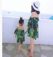 kızı elbise stili toptan satış-Anne kızı şifon elbise bohemia tarzı kız slash omuz elbise lady falbala çiy omuz plaj elbise aile eşleştirme giyim R2907