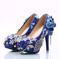bombas de color azul damas al por mayor-Diamante azul Flores Zapatos de boda 2018 Cadenas de flores Bombas Tacones altos Zapatos nupciales 5 cm 8 cm 11 cm 14 cm Bling Bling Zapatos de baile para dama