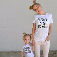 chemises assorties pour mère fille achat en gros de-Mère et fille correspondant tenue tenue correspondant vêtements de famille vêtements maman et moi tenues lettre imprimer T-shirts à manches courtes vêtements d'été de la famille