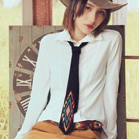 ingrosso cravatta nera gialla-Cravatta in pelle di camoscio ricamata con ricamo moda originale cravatta cravatta vintage in pizzo nero con motivo floreale