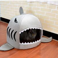 кот акулы дома оптовых-Горячие продажи собак Cat Bed Shark Форма моющийся Собачья будка Pet Sleeping кровать собаки Питомник Pet Nest Съемные подушки Серый Синий Розовый Цветы