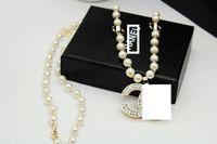aksesuar kişiliği toptan satış-Yeni kişilik rhinestone mektubu kolye kolye takı tasarımcısı hediye parti moda aksesuarları