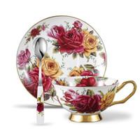 tasses à thé achat en gros de-Ensemble de tasse à thé et soucoupe à café Bone China de 3 pièces avec cuillère, 6.8 oz / 200 ml, rose jaune et rouge