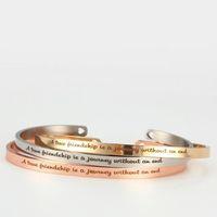 ingrosso braccialetto amicizia della mano-Preventivo Inspirational Positivo inciso in acciaio inossidabile Bracciale con gemelli stampati a mano Una vera amicizia è un braccialetto da viaggio Mantra Bracelet