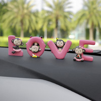 muñecas de la decoración del mono al por mayor-Ornamentos del coche Moda Dibujos animados Amor Banana Mono Muñeca Automóvil Tablero de instrumentos Decoración Interior del coche lindo Accesorios Regalo del arte