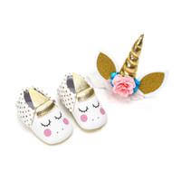 bandeau chaussures pour bébés achat en gros de-Unicorn Baby Shoes avec bandeau Moccs Mocassins Baby First Walkers glands en cuir souple infantile chaussures 2018 Nouveau