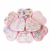 handgemachte lehmblumen großhandel-26Design 36Pairs / set Mix Mini handgemachte Blume Ton Ohrring Stud Sets Obst Ohrring Set für Kind mit Herz Box Ohrringe Schmuck