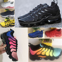 Wholesale chocolate packing - 2018 NEW Vapormax TN Plus Olive In Metallic White Silver Colorways Shoes Men Women Casual Pack Triple Black airs Shoes